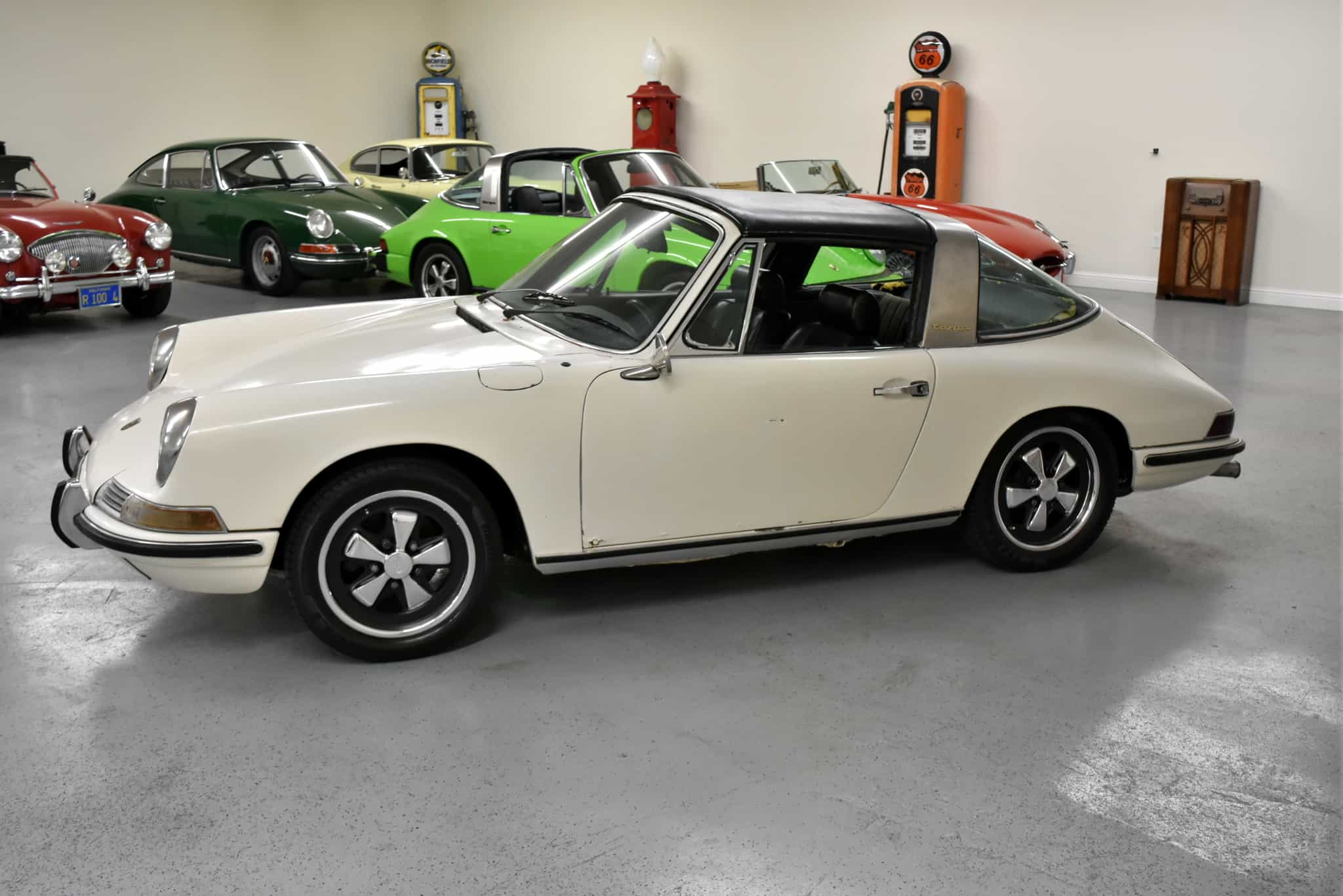 1968 Porsche 911l Targa Dusty Cars